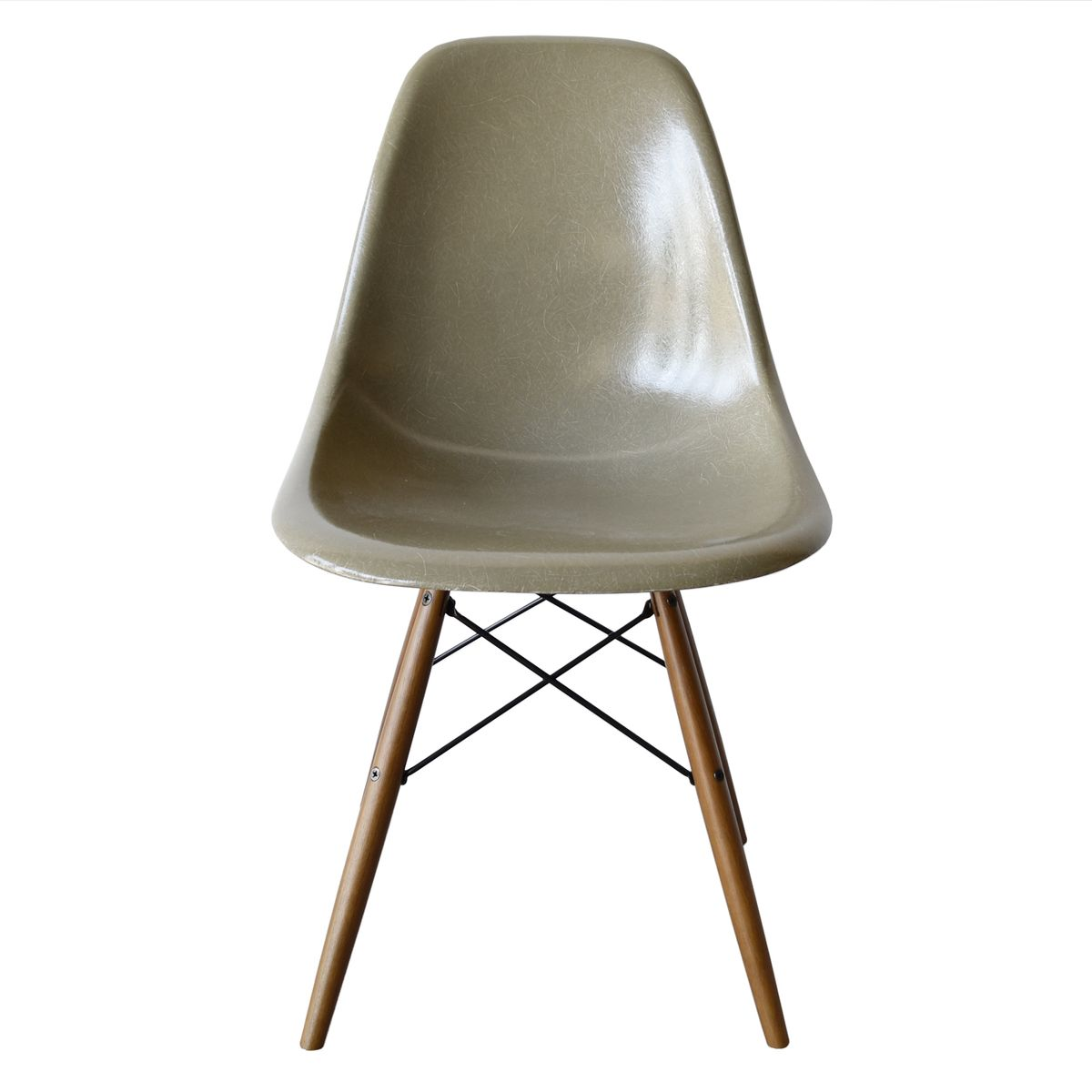 DSW Chair In Raw Umber By Charles And Ray Eames For Herman Miller For Sale At
