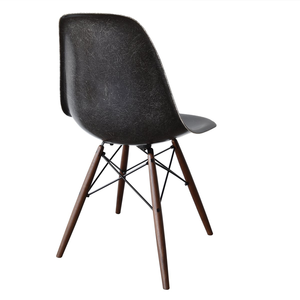black dsw chair by charles and ray eames for herman miller. Black Bedroom Furniture Sets. Home Design Ideas