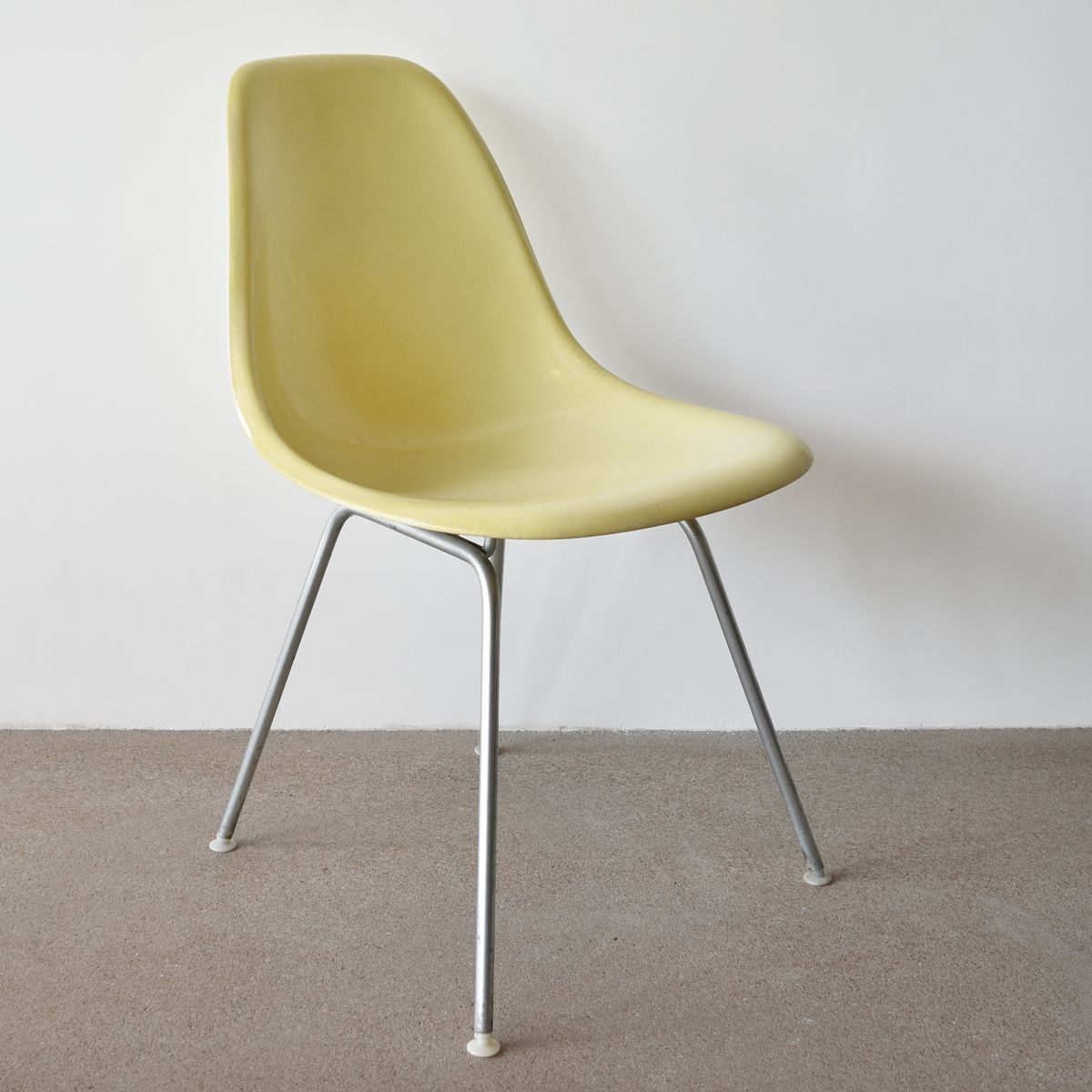 chaise dsx vintage par charles ray eames pour herman miller en vente sur pamono. Black Bedroom Furniture Sets. Home Design Ideas