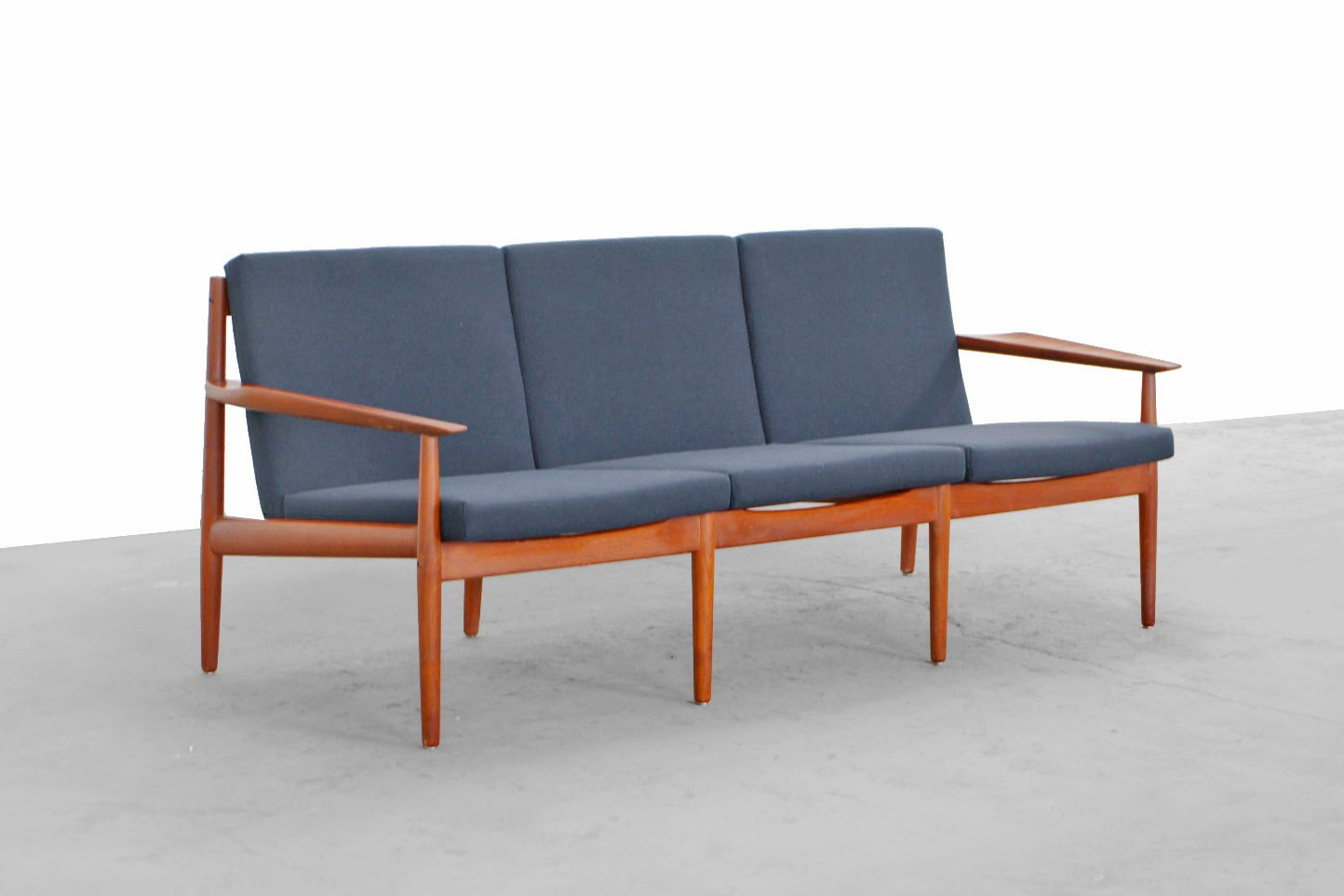vintage mid century teak sofa by arne vodder for glostrup 1954 for sale at pamono. Black Bedroom Furniture Sets. Home Design Ideas