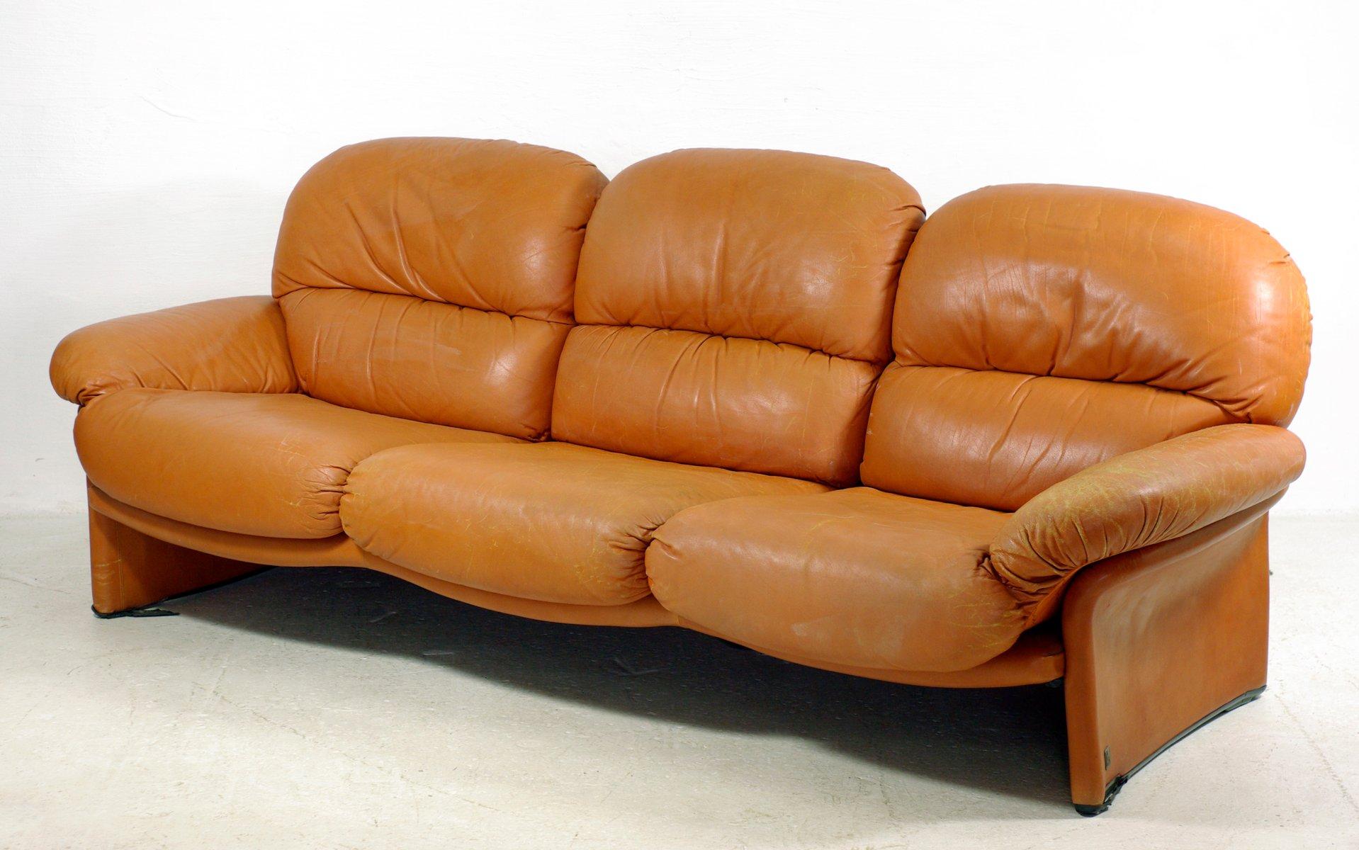 italienisches vintage 3 sitzer leder sofa von busnelli bei pamono kaufen. Black Bedroom Furniture Sets. Home Design Ideas