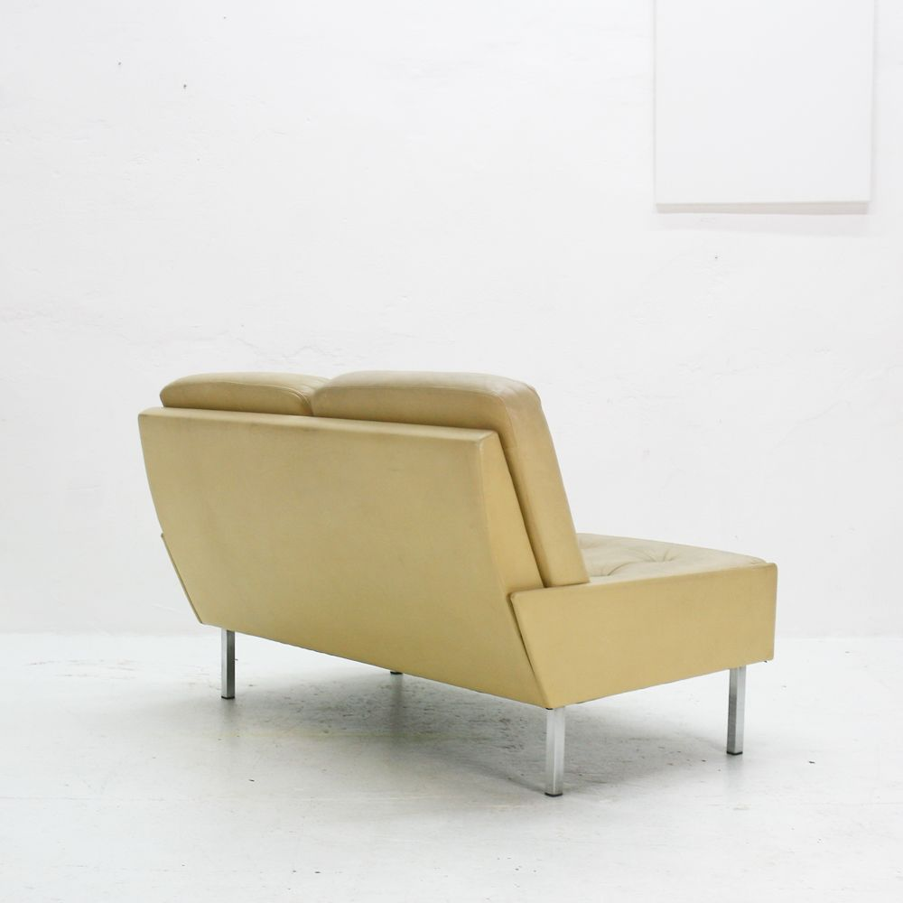 wei es vintage 2 sitzer ledersofa bei pamono kaufen. Black Bedroom Furniture Sets. Home Design Ideas