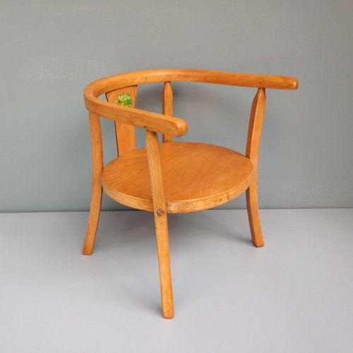 mid century kinderstuhl aus holz von baumann bei pamono kaufen. Black Bedroom Furniture Sets. Home Design Ideas