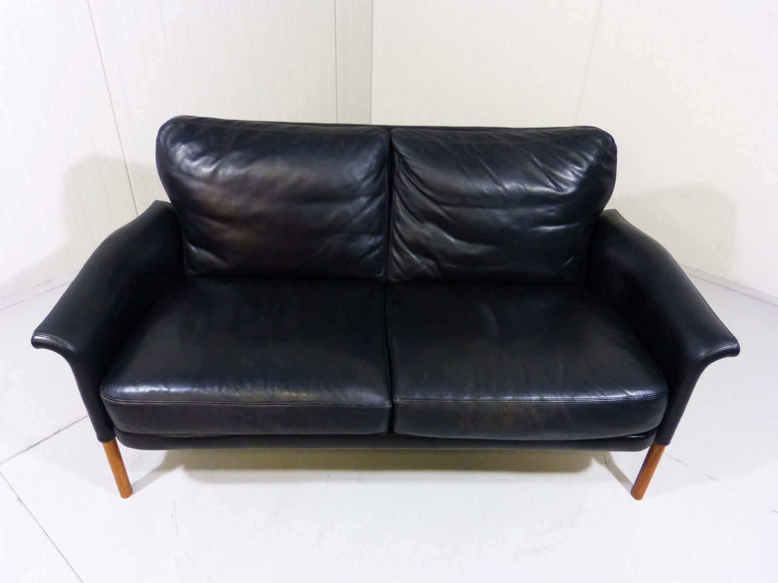 vintage black leather and rosewood 2 seater sofa for sale at pamono