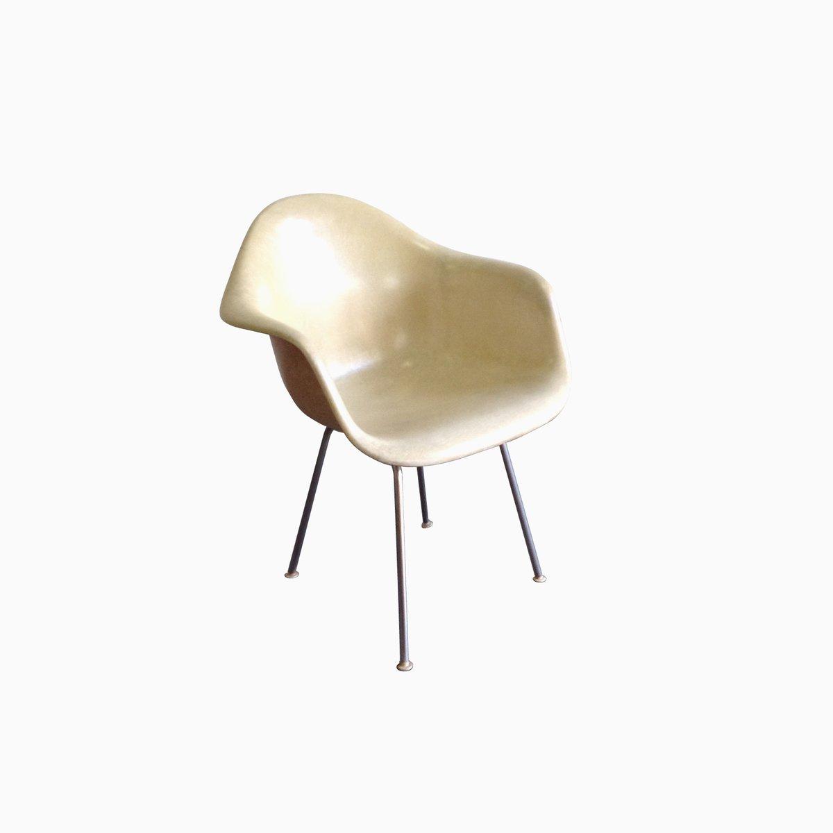 Chaise vintage par charles eames en vente sur pamono for Soldes eames