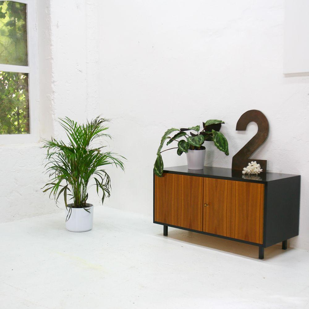 2 t rige vintage anrichte bei pamono kaufen. Black Bedroom Furniture Sets. Home Design Ideas