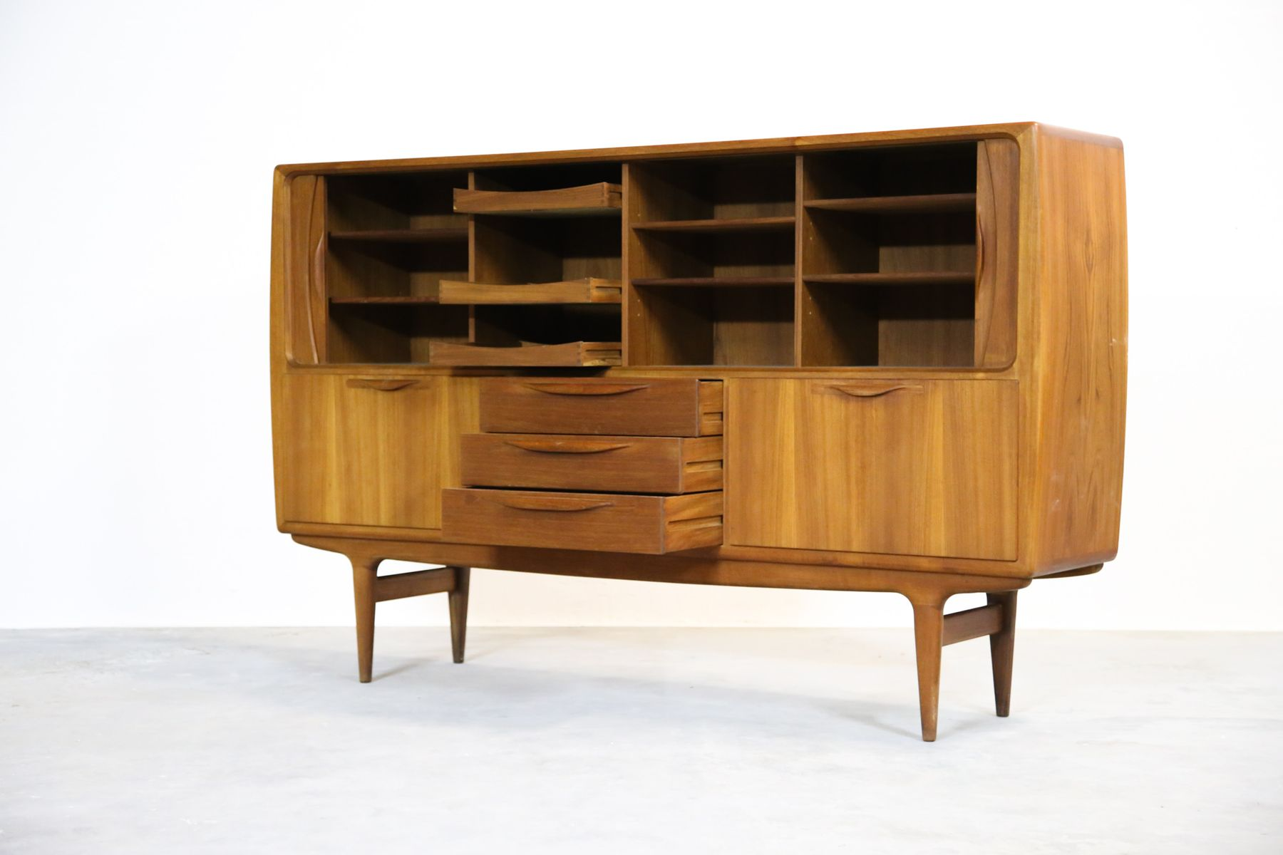 d nisches sideboard von johannes andersen f r samcon 1960er bei pamono kaufen. Black Bedroom Furniture Sets. Home Design Ideas