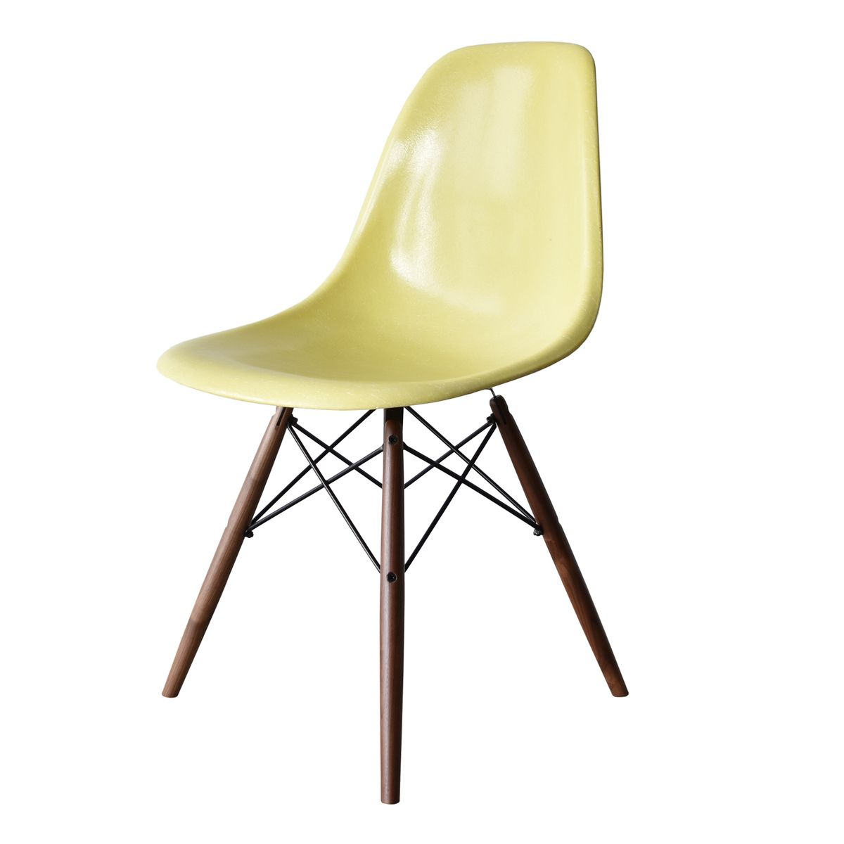 Lemon yellow dsw chair by charles and ray eames for herman for Charles eames chaise dsw