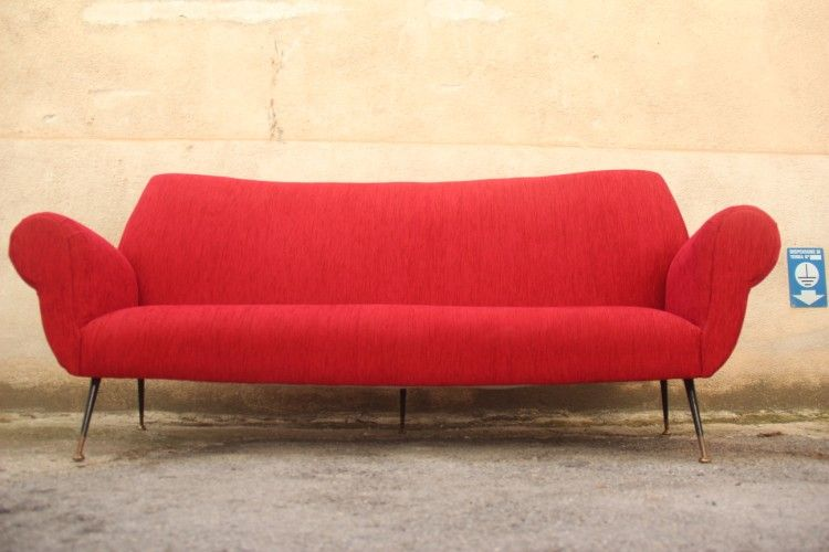 rotes samt sofa von gigi radice f r minotti 1950er bei pamono kaufen. Black Bedroom Furniture Sets. Home Design Ideas