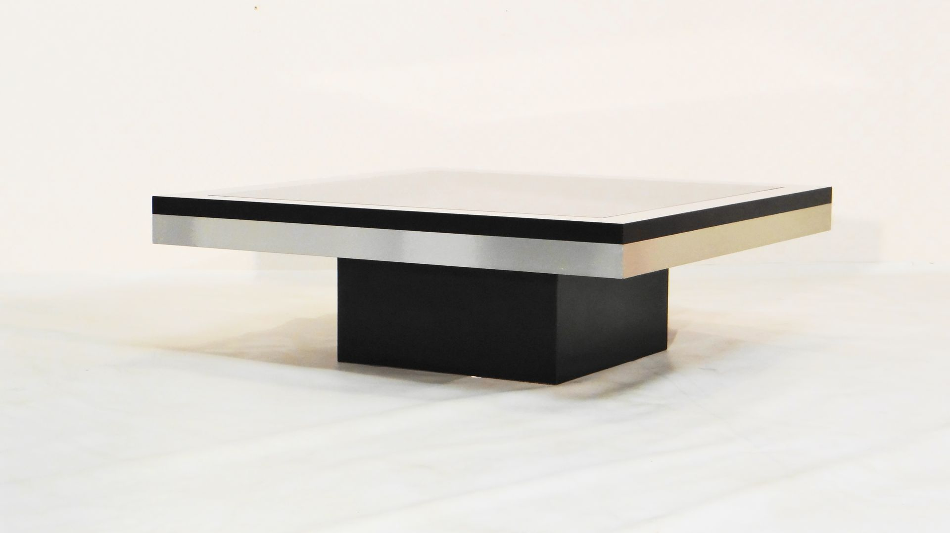 French stainless steel and glass coffee table for sale at pamono Steel and glass coffee table