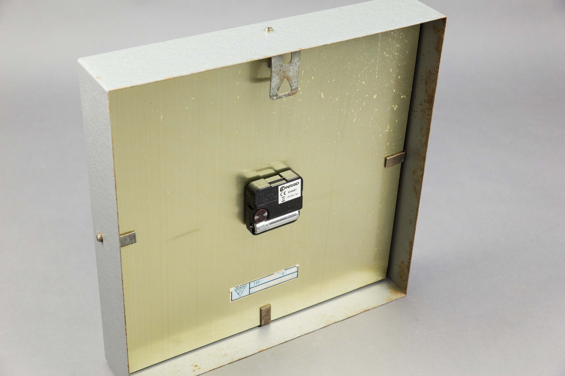 Square Table Clock by Pragotron for sale at Pamono