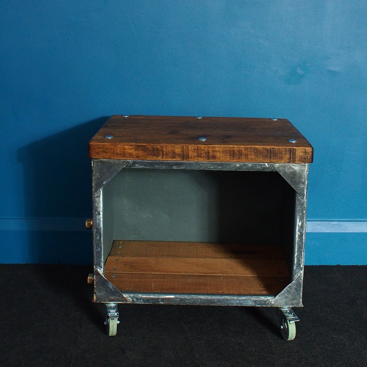 Industrial wood and steel side table for sale at pamono
