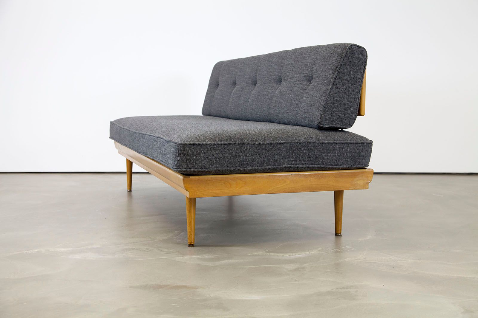 ^ Mid entury Modern Sofa, 1950s for sale at Pamono