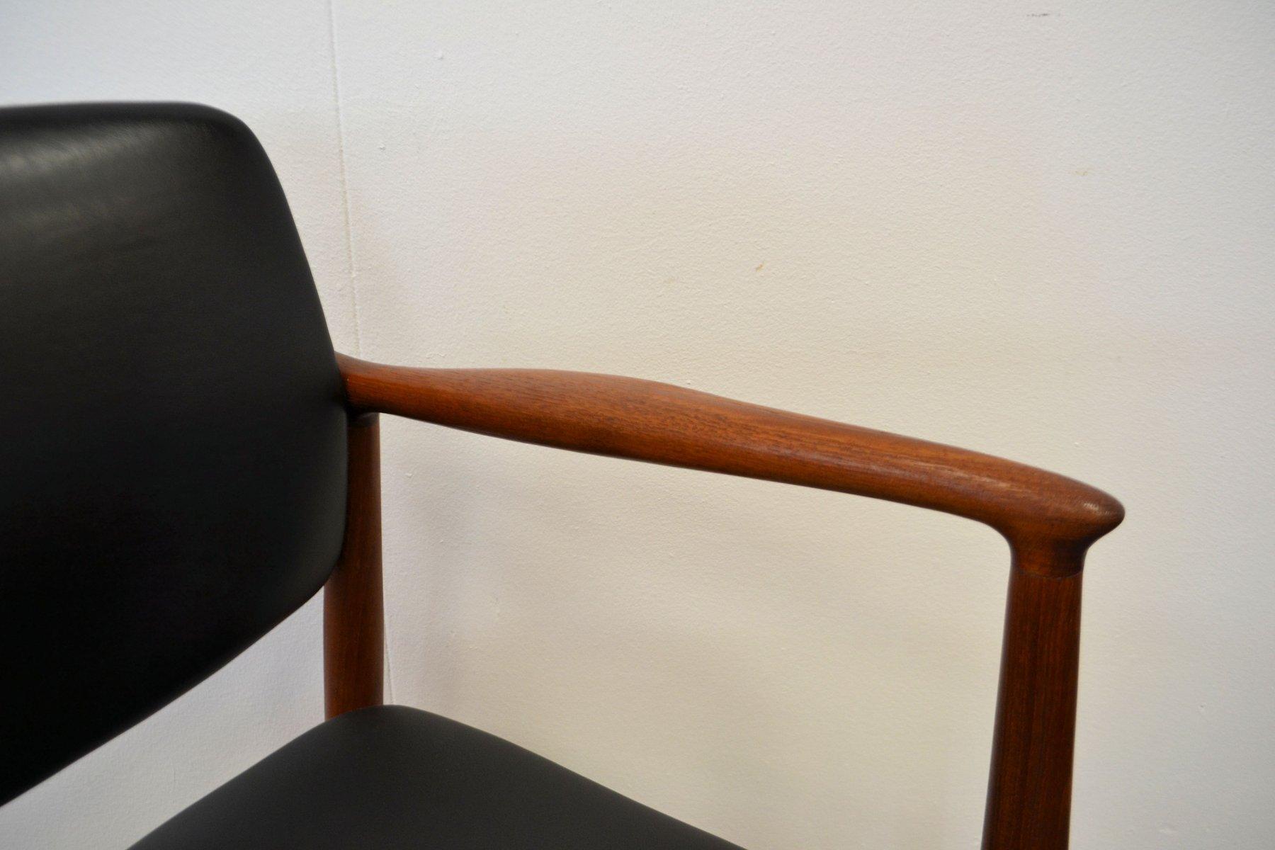 Chaise de capitaine en teck par erik buch pour rum m bler for Chaise capitaine
