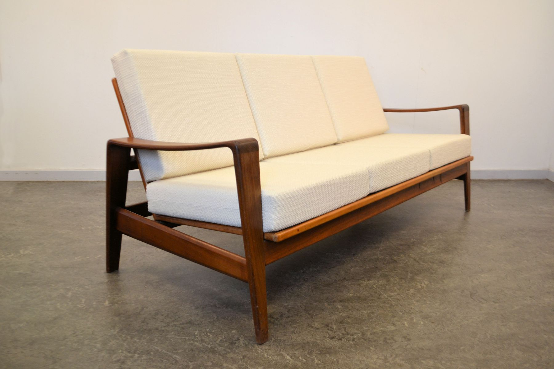teak 3 seater sofa by arne wahl iversen for komfort for sale at pamono. Black Bedroom Furniture Sets. Home Design Ideas