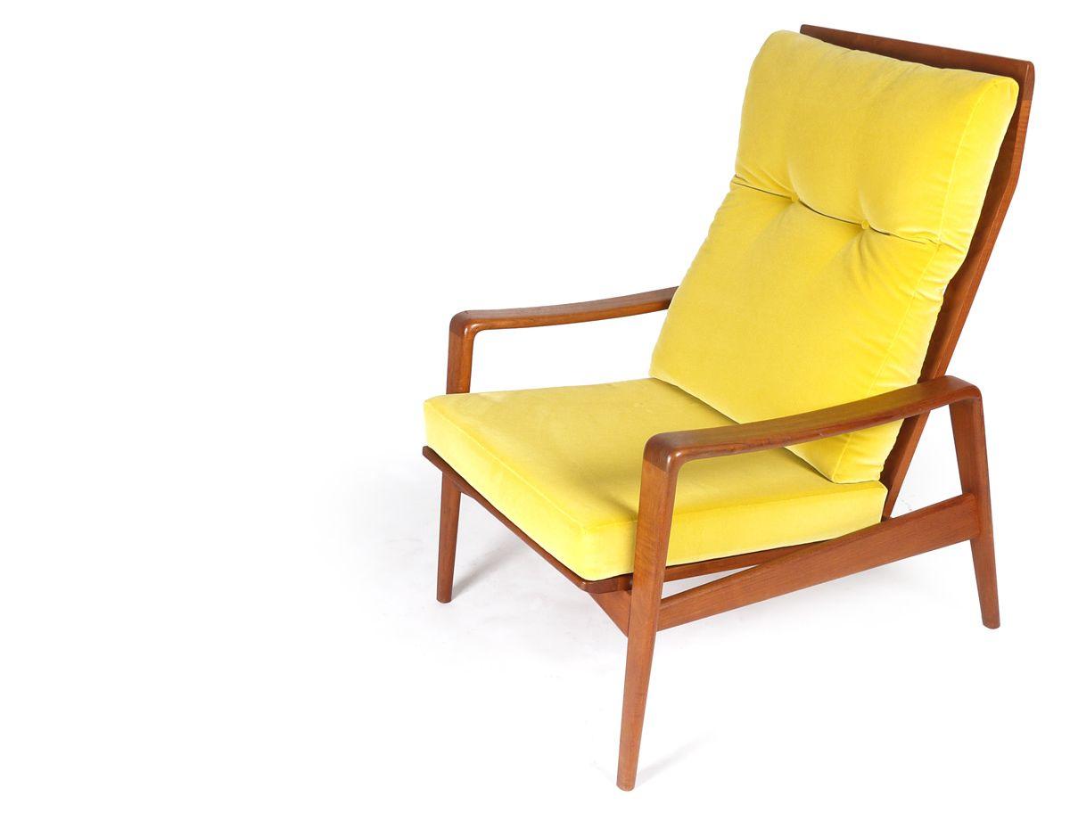 Gelber samt lounge stuhl und hocker von poul cadovious bei for Stuhl hocker