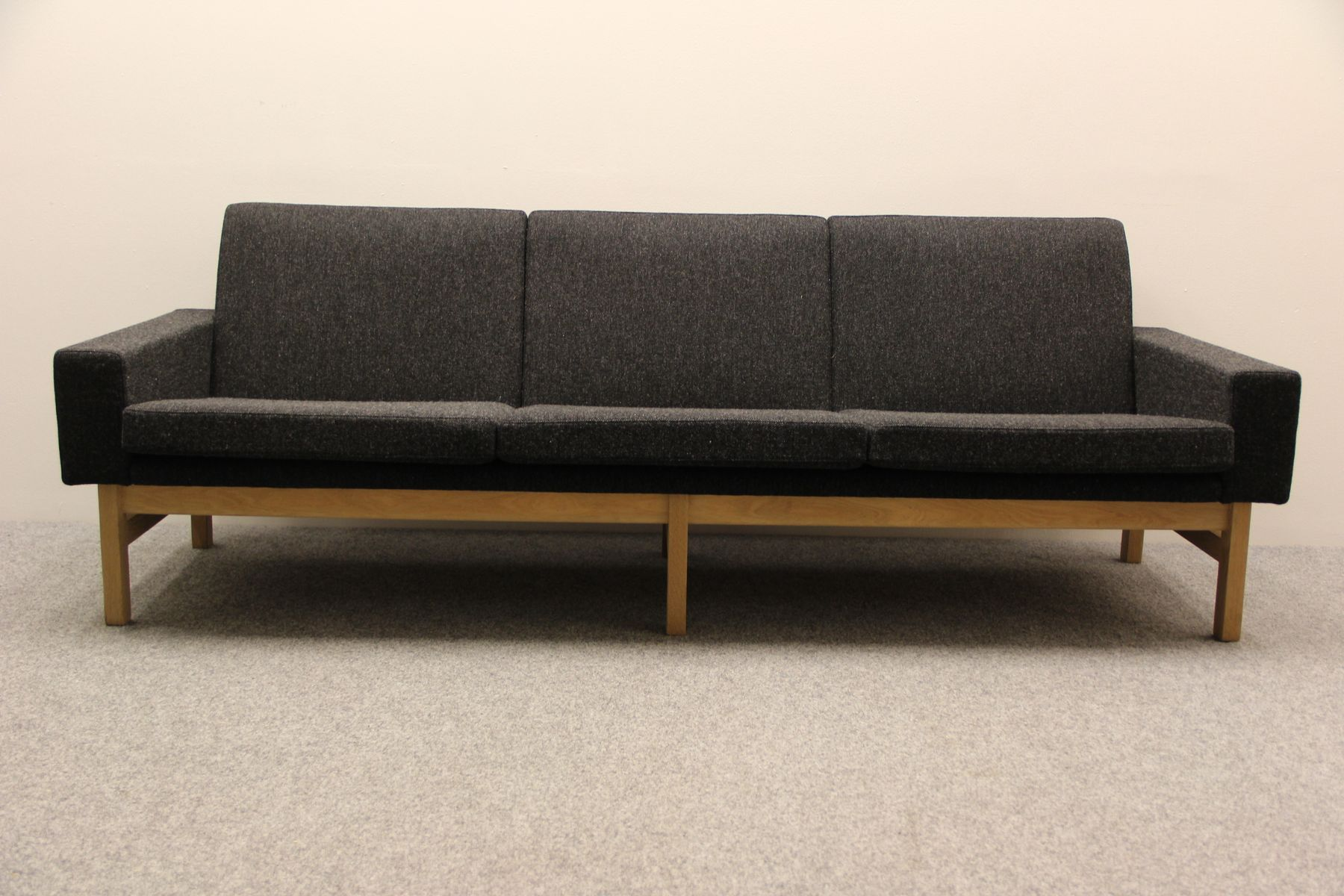 AP34 Sofa by Hans J Wegner for A P Stolen for sale at Pamono