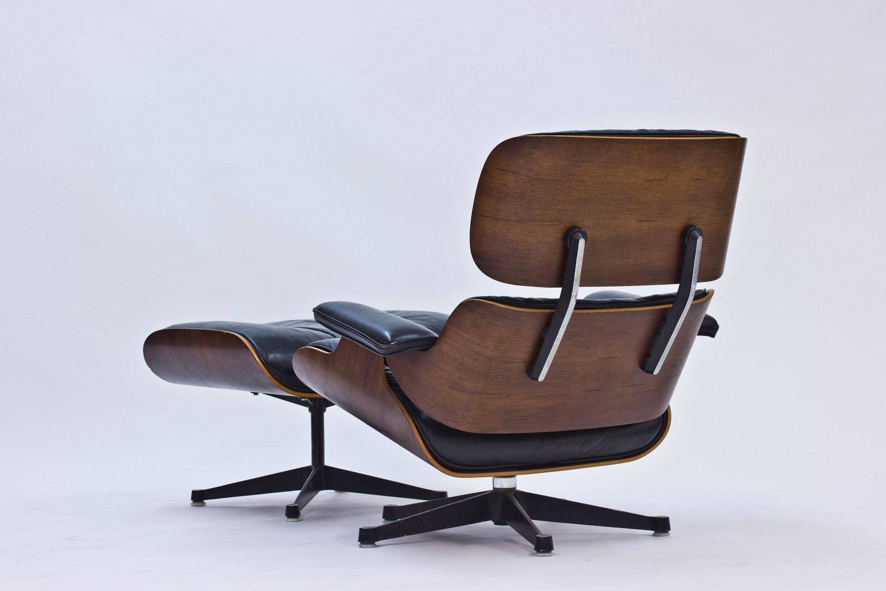 lounge chair and ottoman by charles and ray eames for herman miller 1956 for sale at pamono. Black Bedroom Furniture Sets. Home Design Ideas