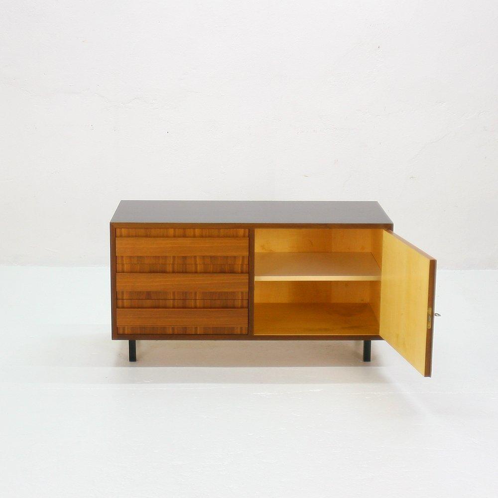 schwarz wei e nussholz kommode 1960er bei pamono kaufen. Black Bedroom Furniture Sets. Home Design Ideas