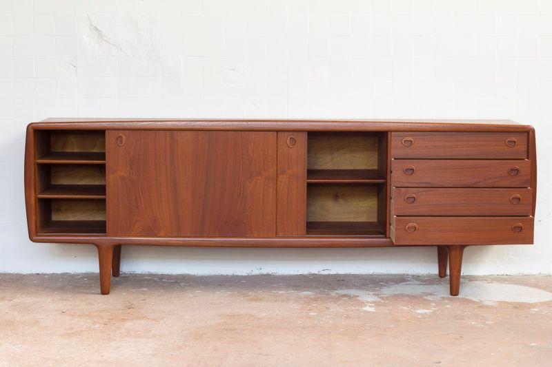 gro es teakholz sideboard von h p hansen bei pamono kaufen. Black Bedroom Furniture Sets. Home Design Ideas