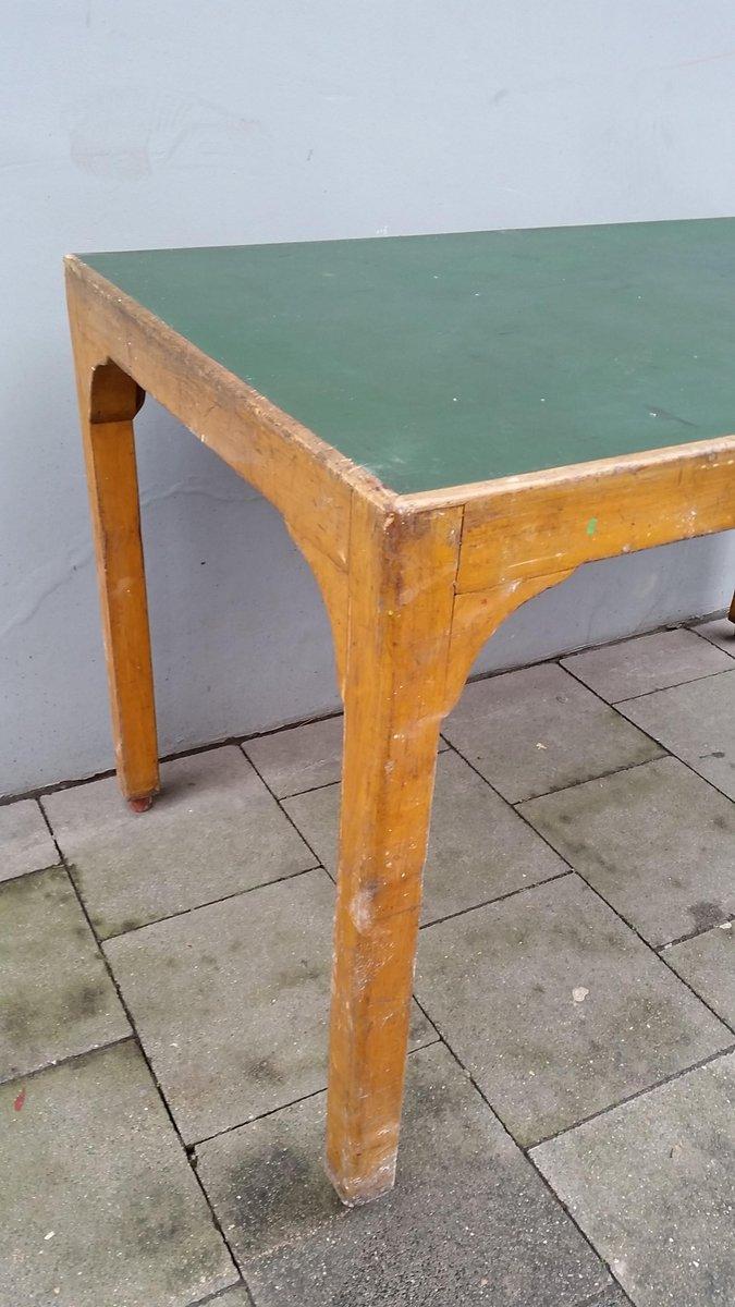 vintage tisch aus holz und gr nem linoleum bei pamono kaufen. Black Bedroom Furniture Sets. Home Design Ideas