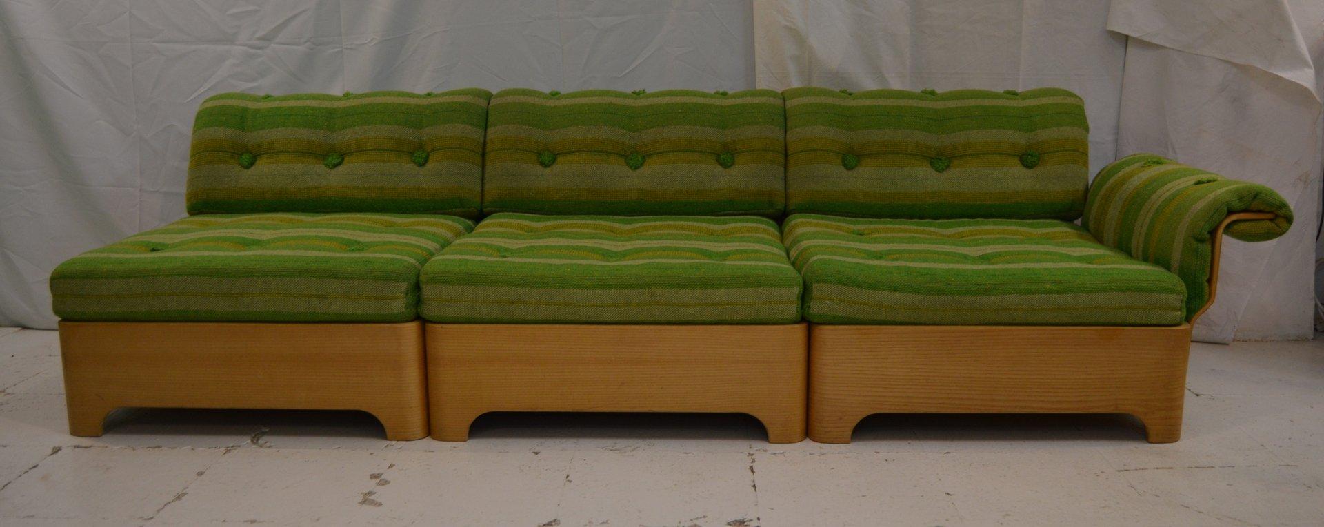 Canap vintage trois places avec table d 39 appoint et repose pieds en ven - Canape avec repose pied ...