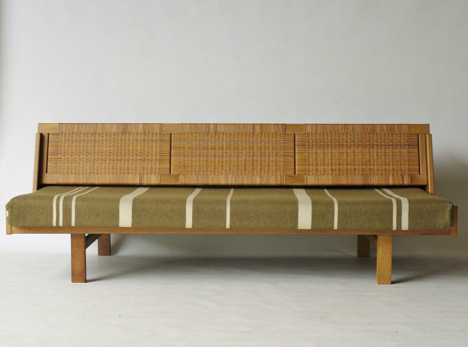 Hans Wegner Sofa Bed – RS Gold Sofa