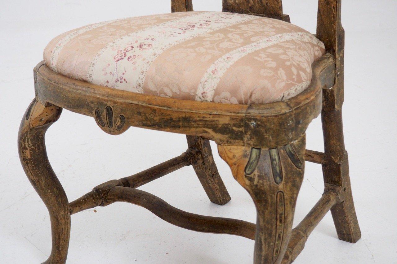 antike geschnitzte st hle aus schweden 4er set bei pamono kaufen. Black Bedroom Furniture Sets. Home Design Ideas