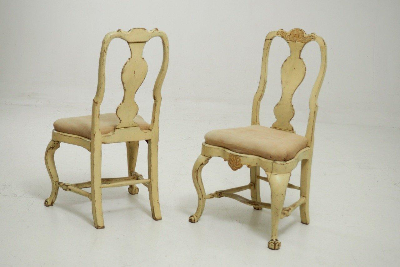 antike schwedische st hle mit goldenen schnitzereien 1750er 2er set bei pamono kaufen. Black Bedroom Furniture Sets. Home Design Ideas