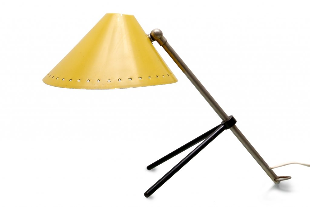 lampe de bureau pinocchio jaune par h th j a busquet pour. Black Bedroom Furniture Sets. Home Design Ideas