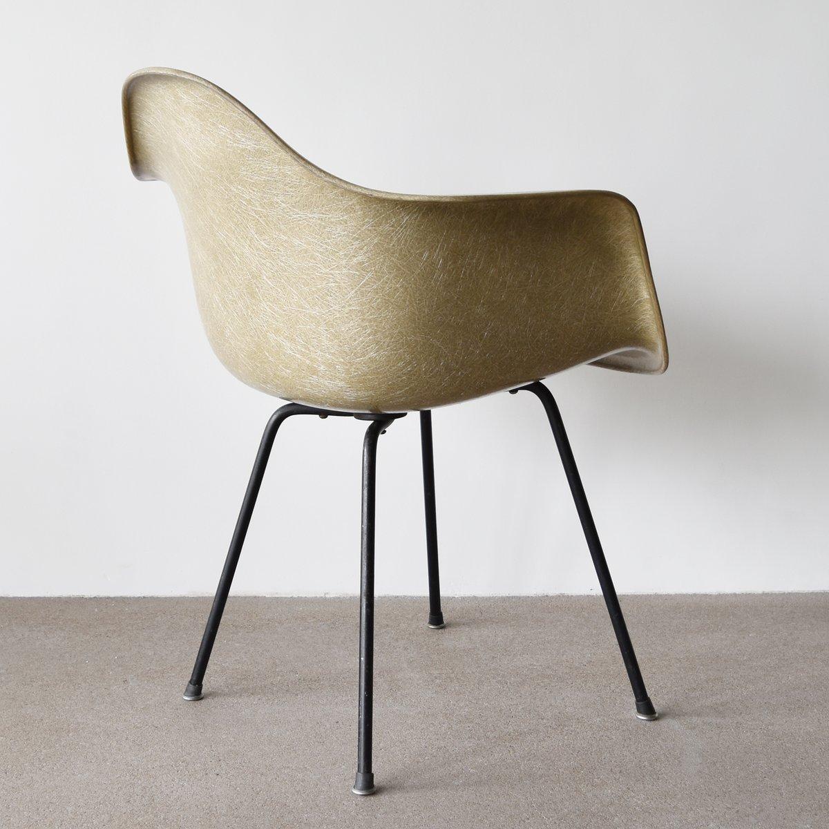 greiger dax stuhl von charles und ray eames f r herman. Black Bedroom Furniture Sets. Home Design Ideas