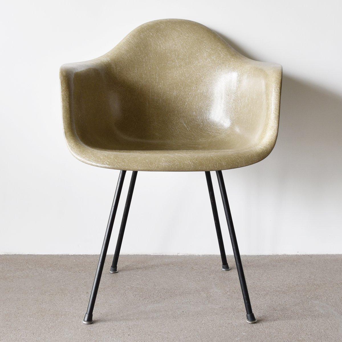 greiger dax stuhl von charles und ray eames f r herman miller zenith bei pamono kaufen. Black Bedroom Furniture Sets. Home Design Ideas