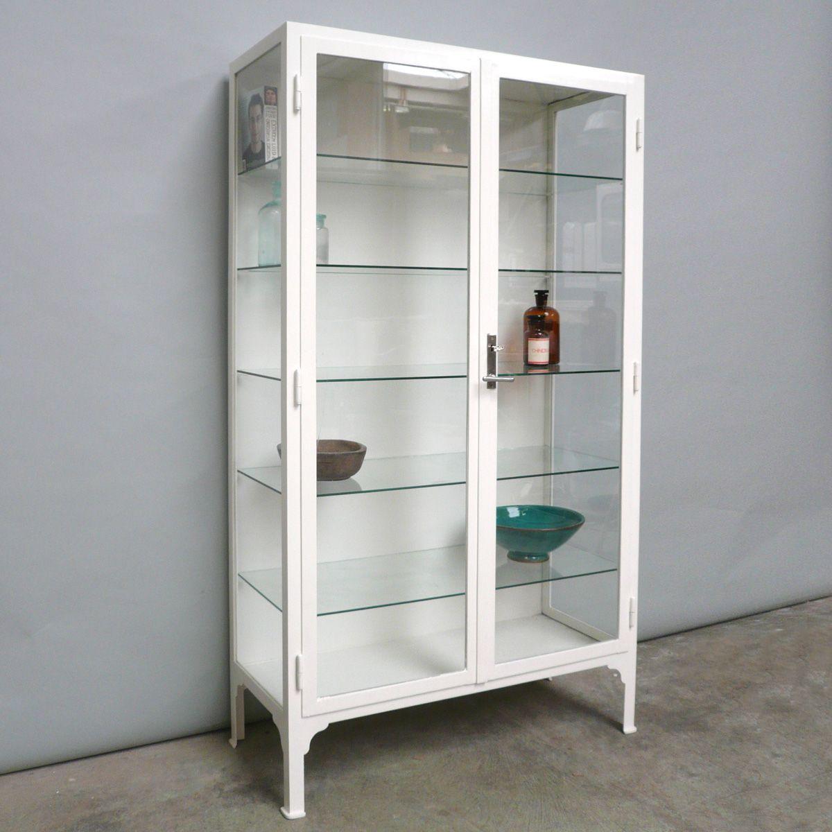 ungarischer vintage arzneischrank aus stahl und glas bei. Black Bedroom Furniture Sets. Home Design Ideas