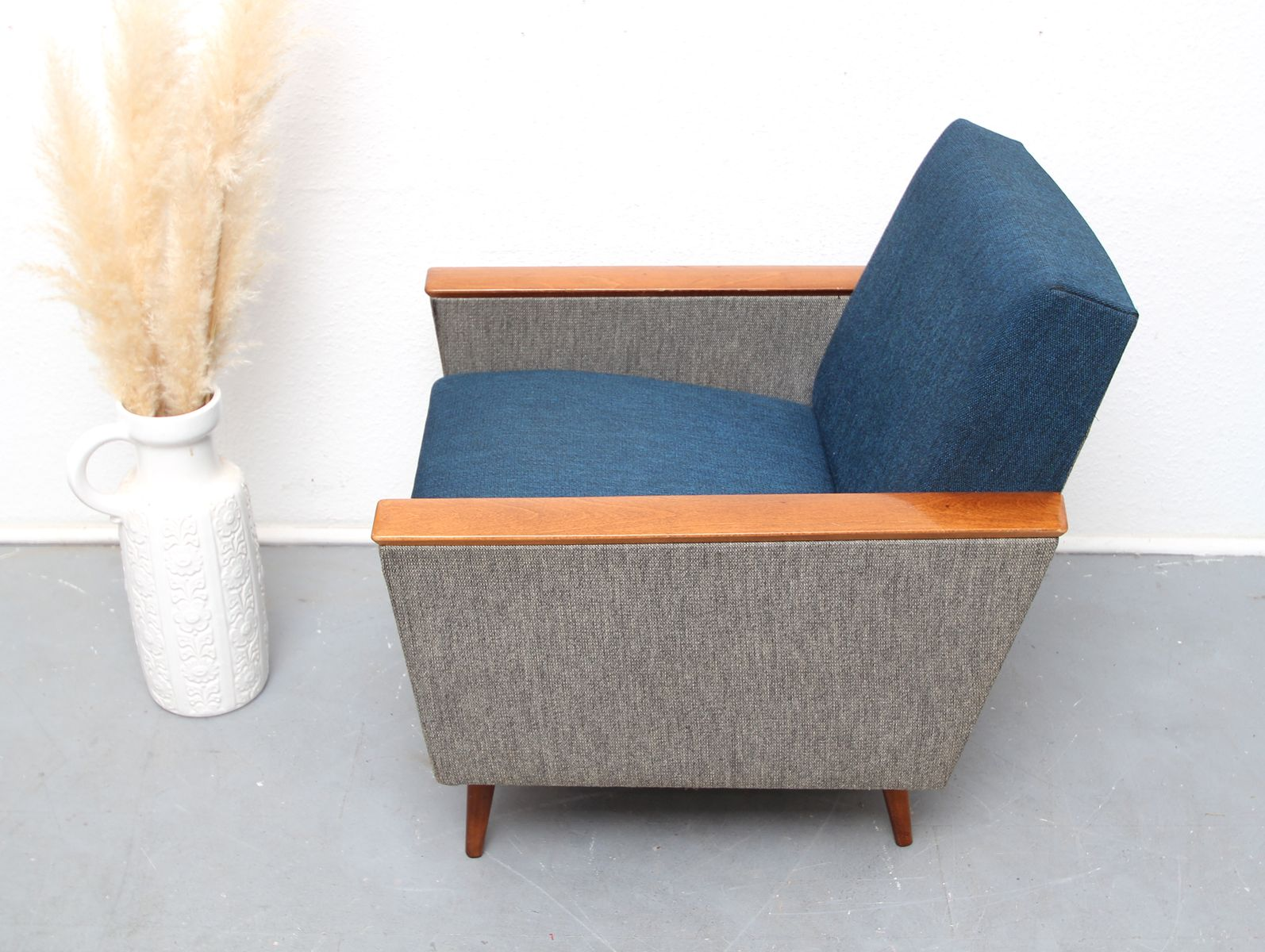 grau blauer vintage sessel bei pamono kaufen. Black Bedroom Furniture Sets. Home Design Ideas