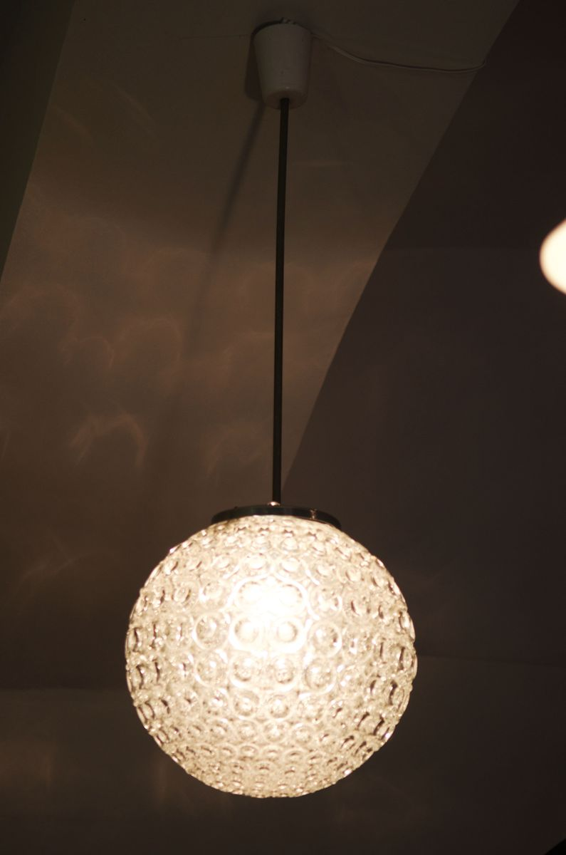gro e klarglas h ngelampe mit blasenmuster 1970er bei. Black Bedroom Furniture Sets. Home Design Ideas
