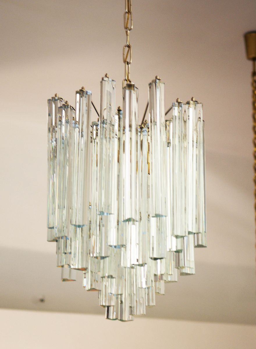 blei und kristall kronleuchter mit dreieckigem prisma von j t kalmar bei pamono kaufen. Black Bedroom Furniture Sets. Home Design Ideas