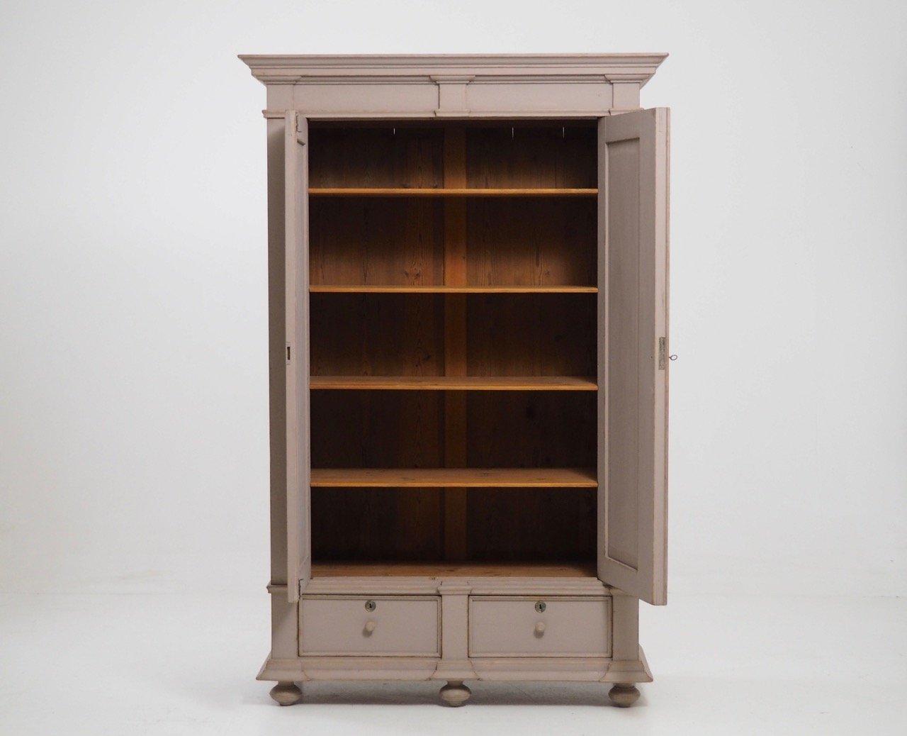 antiker schwedischer doppelt r schrank bei pamono kaufen. Black Bedroom Furniture Sets. Home Design Ideas