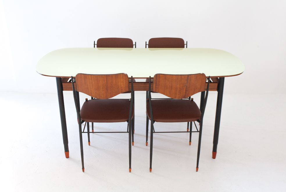 Italian Mid Century Modern Dining Table for sale at Pamono