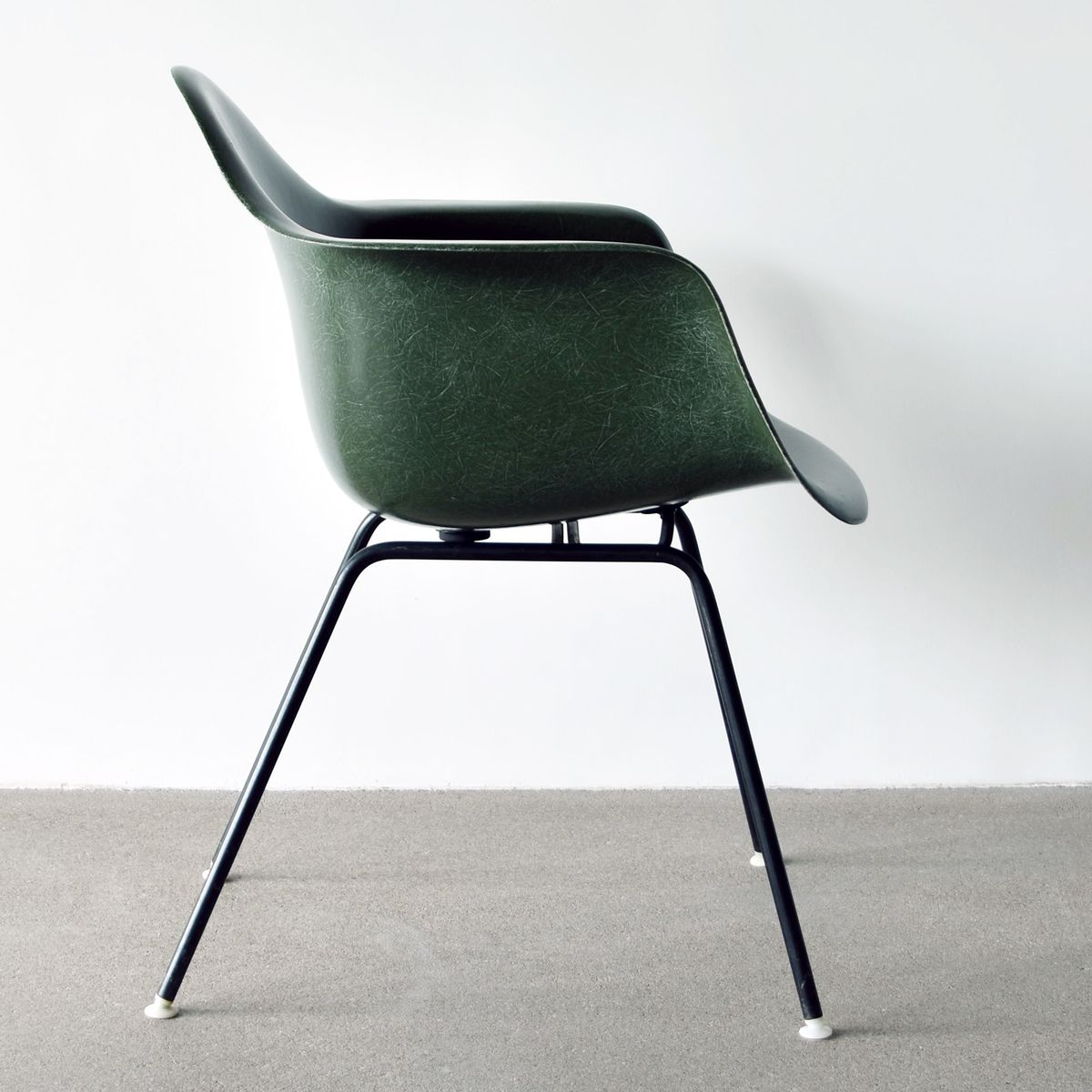 olive green dax chair by charles and ray eames for herman miller 1975 for sale at pamono. Black Bedroom Furniture Sets. Home Design Ideas