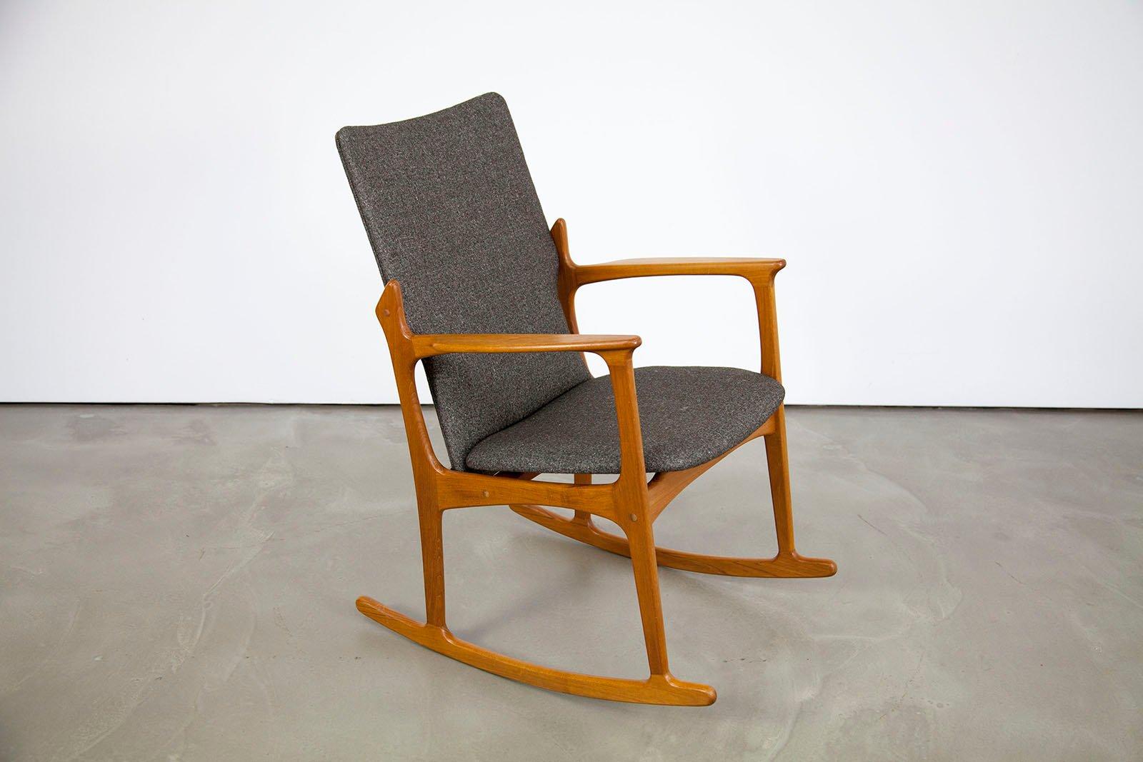 d nischer moderner teakholz schaukelstuhl von vamdrup bei pamono kaufen. Black Bedroom Furniture Sets. Home Design Ideas