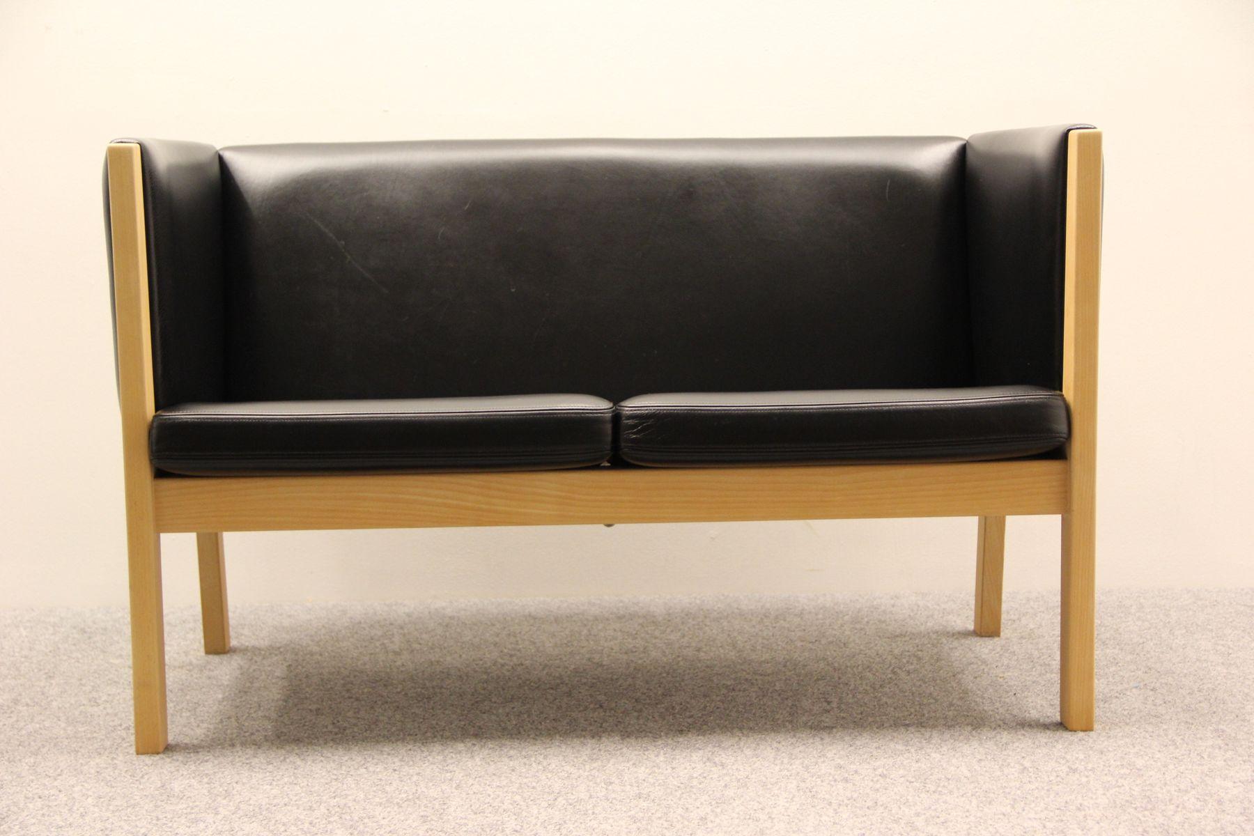 modell ge 285 zwei sitzer sofa von hans j wegner f r getama bei pamono kaufen. Black Bedroom Furniture Sets. Home Design Ideas
