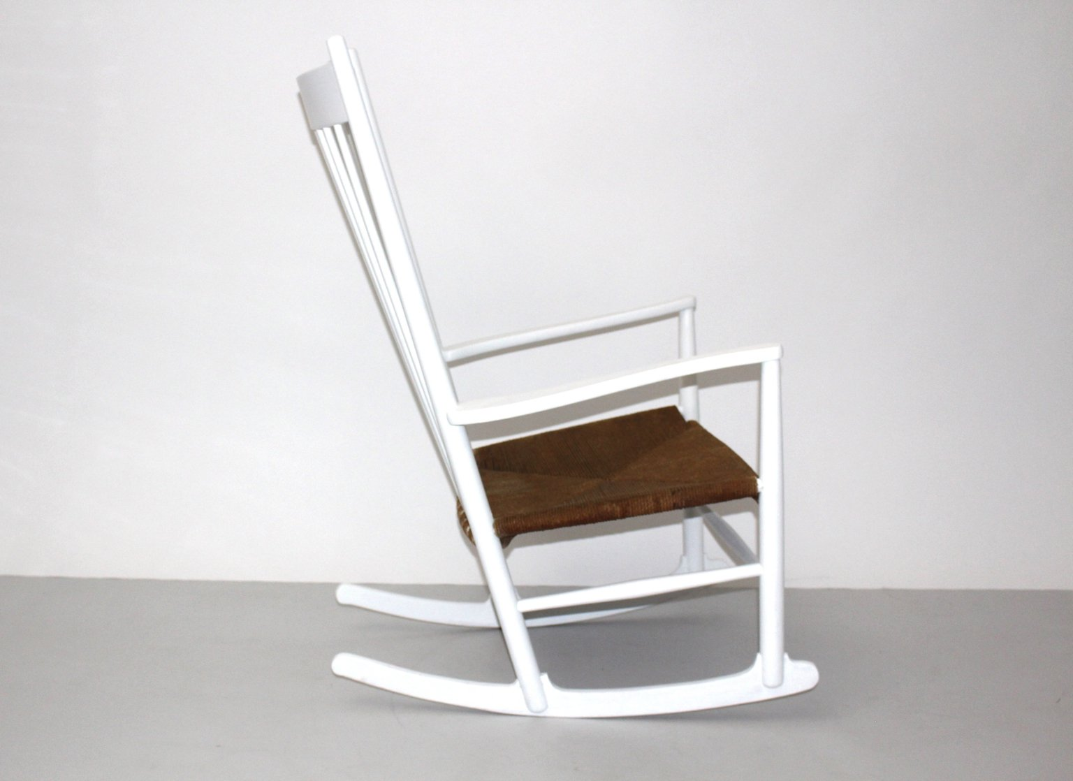 J16 Rocking Chair By Hans Wegner For Mobler F. D. B. 1964 For Sale At . Full resolution‎  portraiture, nominally Width 1536 Height 1118 pixels, portraiture with #482E1C.