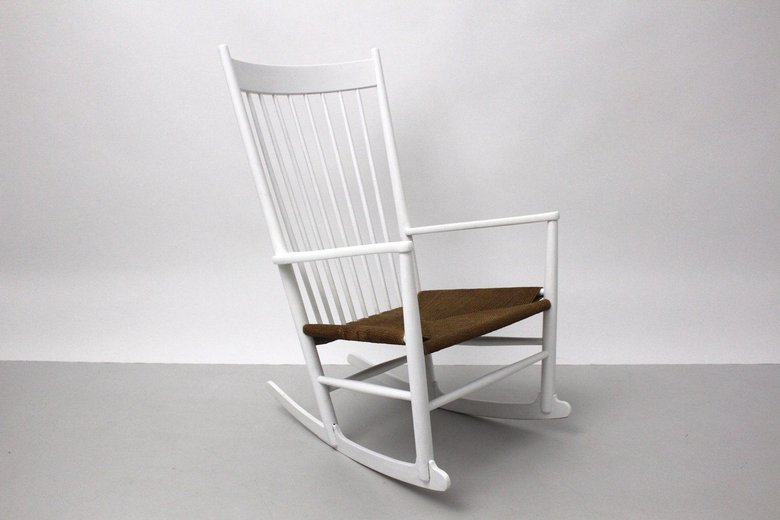 j16 rocking chair by hans wegner for mobler f d b