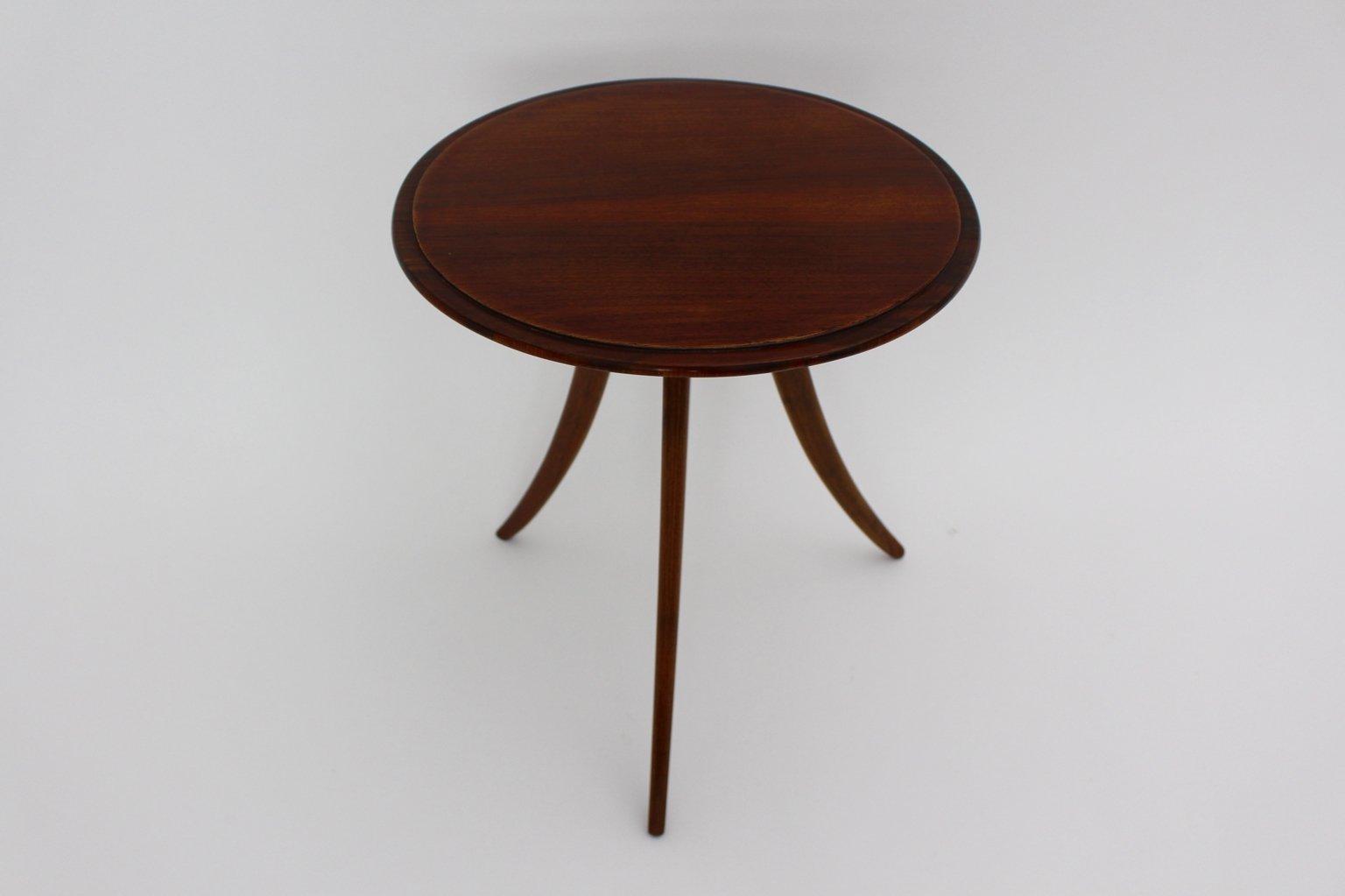 Table basse trois pieds par josef frank pour house and - Table basse trois pieds ...