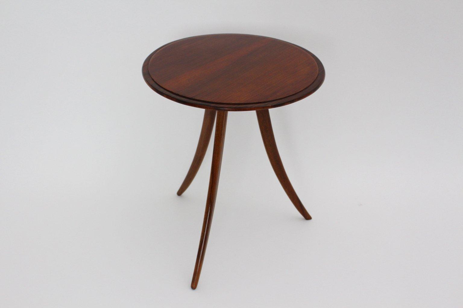 table basse trois pieds maison design. Black Bedroom Furniture Sets. Home Design Ideas