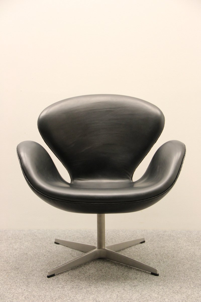This arne jacobsen swan chair in cognac leather by fritz hansen is no - Vintage Swan Chair By Arne Jacobsen For Fritz Hansen