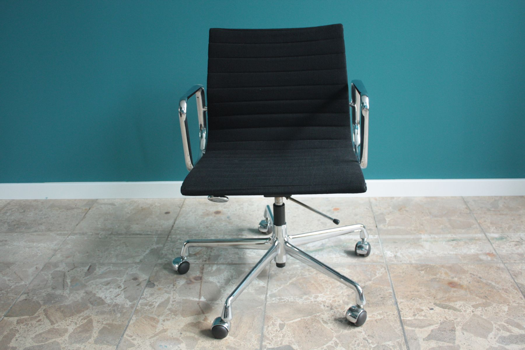 vintage ea 117 office chair from charles ray eames for. Black Bedroom Furniture Sets. Home Design Ideas