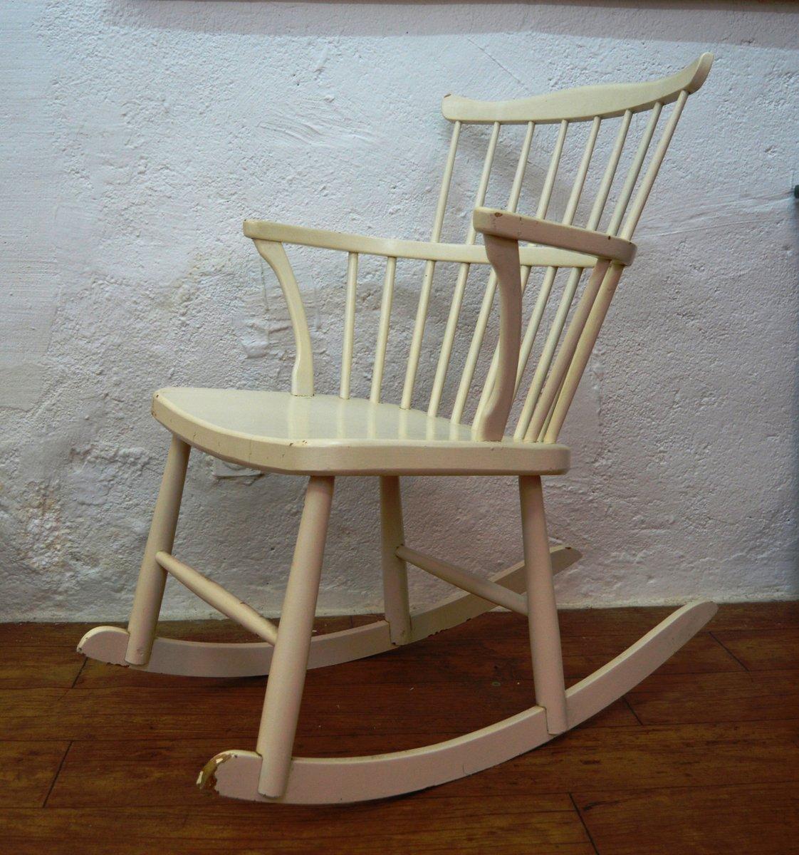 schwedischer schaukelstuhl aus kiefernholz 1960er bei. Black Bedroom Furniture Sets. Home Design Ideas