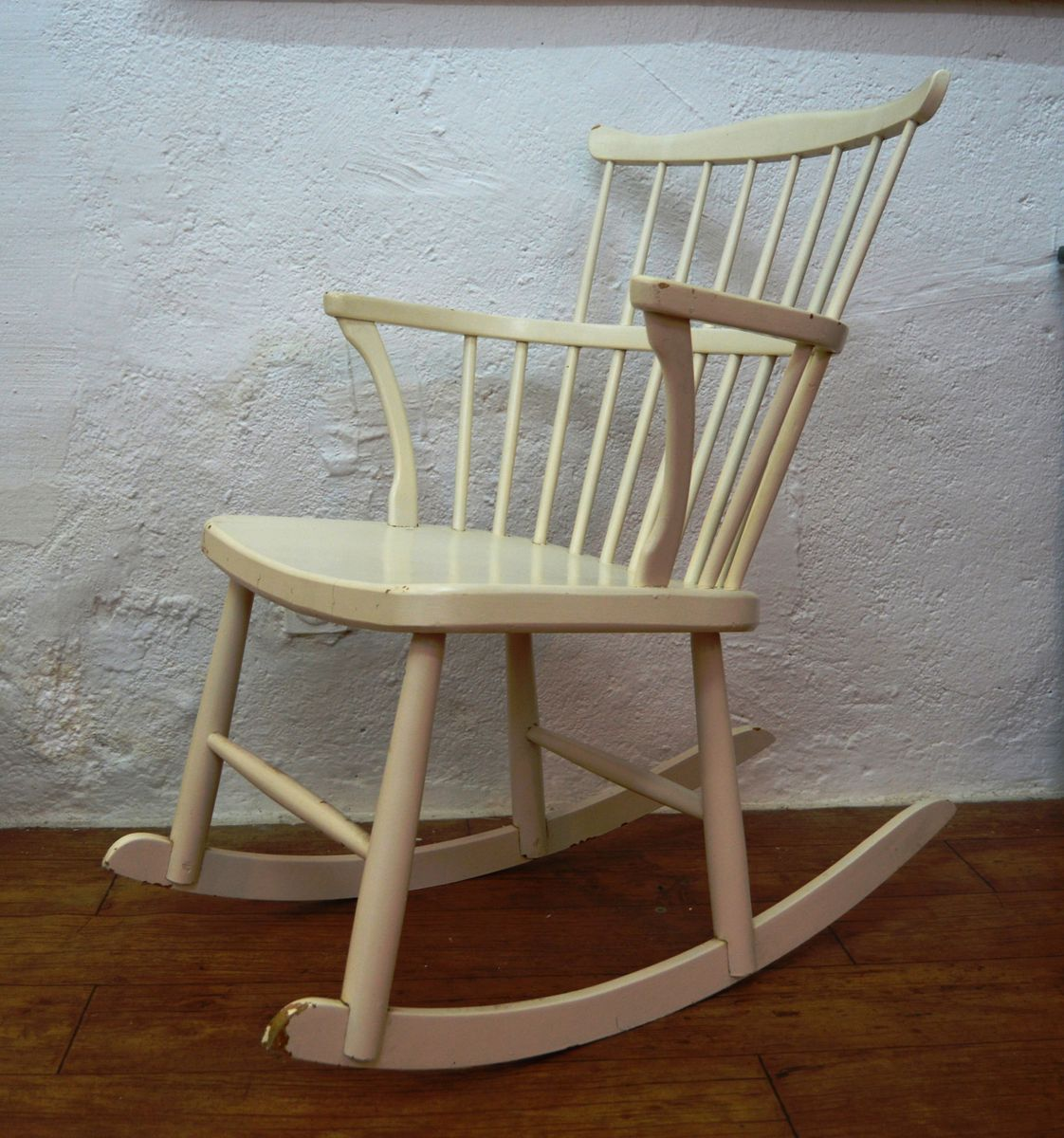 Swedish Pine Rocking Chair, 1960s for sale at Pamono