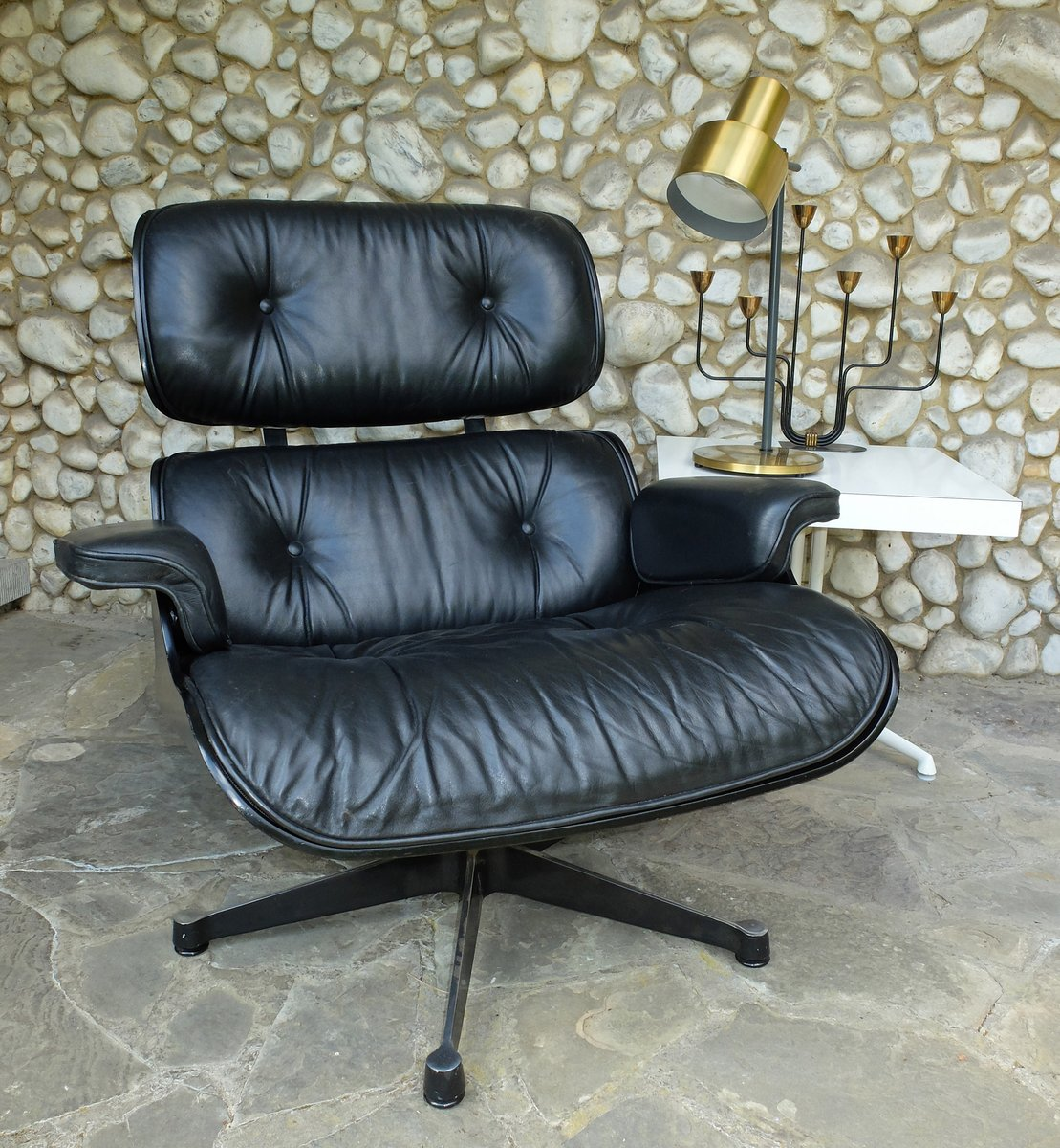 lounge chair 670 by charles eames for vitra for sale at pamono. Black Bedroom Furniture Sets. Home Design Ideas